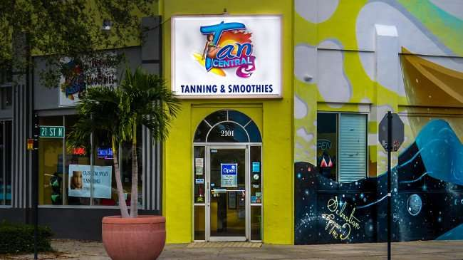 Jan 31, 2016 - Tan Central tanning salon on corner of Central Avenue and 21st St, St Petersburg, FL/photonews247.com