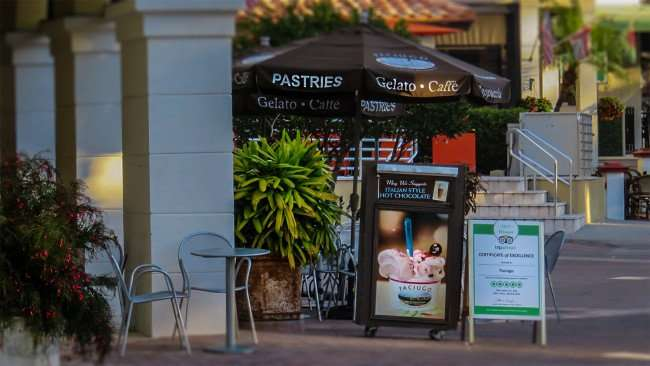 Feb 21, 2016 - Paciugos Gelato & Caffe outside dining area St Pete/photonews247.com
