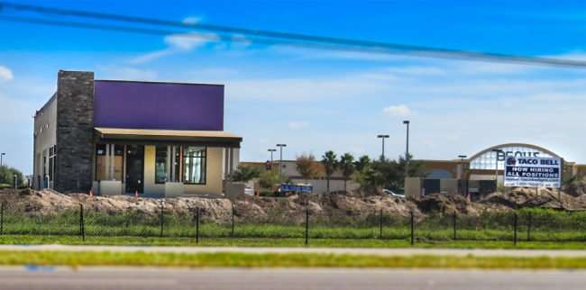 11.06.2016 - Taco Bell with Bealls in background, Big Bend Rd and 301, Riverview, FL/photonews247.com
