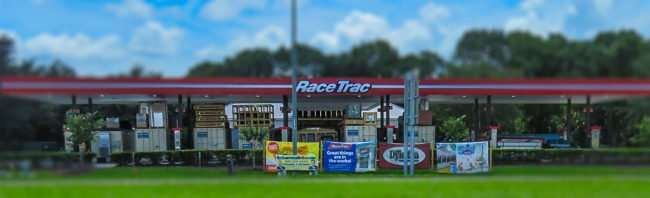 Aug 15, 2015 - RaceTrac Ruskin under renovations on College Avenue (SouthShore, FL)/photonews247.com