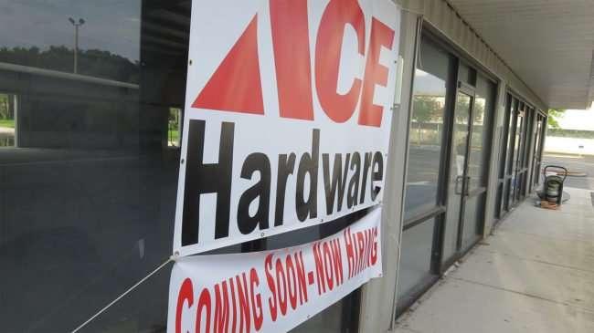 Sept 03, 2016 - Ace Hardware US-301 Riverview Center now hiring/photonews247.com