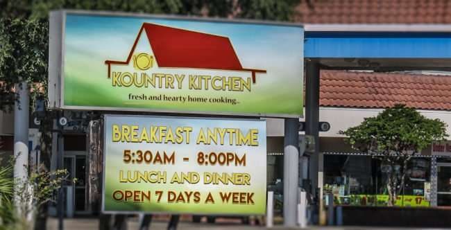 11.05.2016 - Kountry Kitchen in former Grannies and Skillet space, US-41, Ruskin, FL/photonews247.com