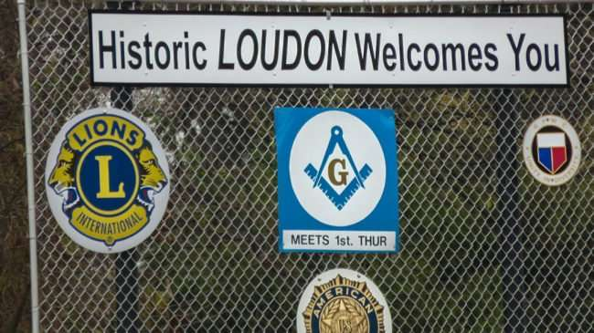 "11.25.2016 - Signage at Grove and 72 that reads ""Historic LOUDON Welcomes You""/photonews247.com"