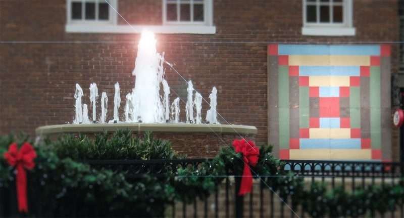 tennessee photo news 247 11 25 2016 water fountain during christmas in old town loudon tennessee photonews247 com