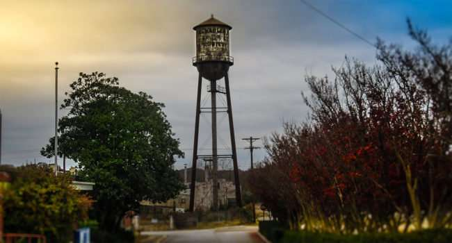 11.25.2016 - Water Tower in Historic District of Loudon, TN./photonews247.com