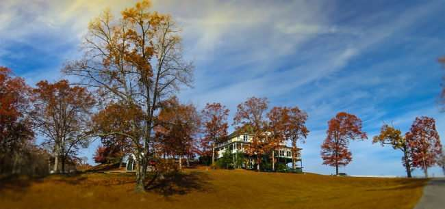 11.25.2016 - Whitestone INN - The Lion and Lamb bed and breakfast with full restaurant, Kingston, TN/photonews247.com