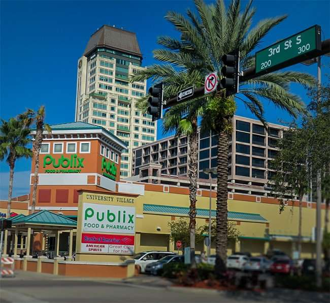 Dec 16, 2015 - Publix Super Market from 300 3rd St next to 330 3rd Street Residence Tower in St Petersburg, FL/photonews247.com