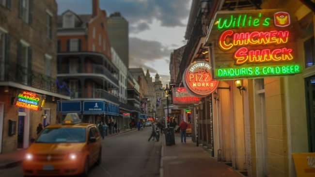 Jan 9, 2017 - Canon PowerShot SX710 HS takes photo of Willies Chicken Shack, Bourbon St/photonews247.com