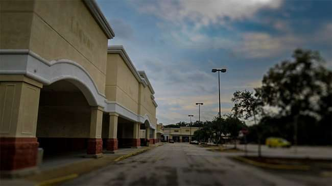 Jan 10, 2016 - Old Albertson's Supermarket closed in 2012 on Lithia Pinecrest Rd in Valrico, FL.