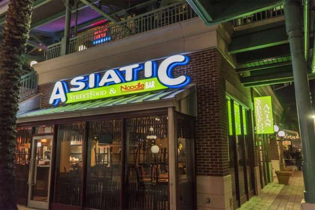 Feb 5. 2017 - Asiatic StreetFood and Noodle Bar closing for the night, Ybor City Tampa/photonews247.com