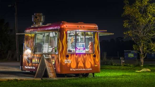 Feb 2, 2017 - Why Mamas food truck eatery outside dining, Ruskin, SouthShore, FL/photonews247.com