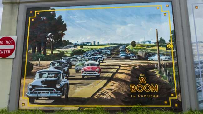 05.03.2017 - A Boom In Paducah Floodwall Mural/photonews247.com