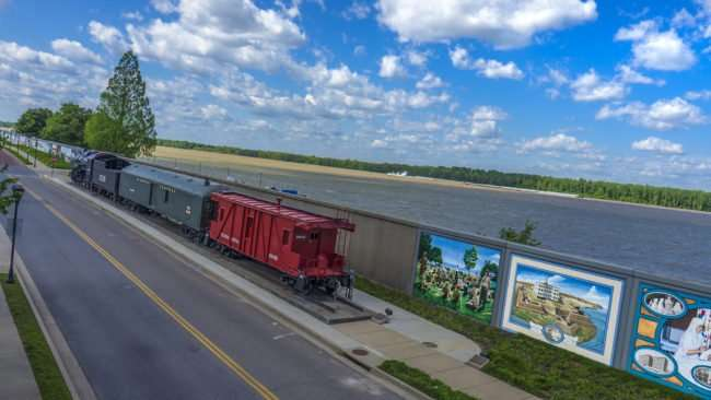 April 5, 2017 - Aerial view Paducah Floodwall Murals and Steam Engine and Ohio River/photonews247.com