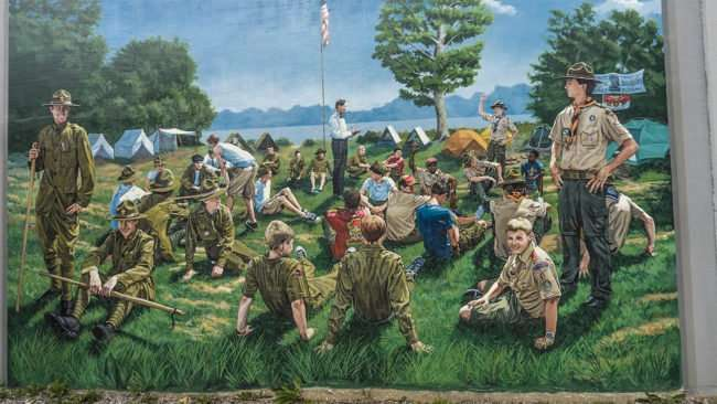 Mar 24, 2017 - Boy Scout mural on flood wall in Paducah, KY/photonews247.com