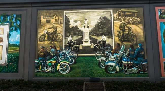 Mar 24, 2017 - Harley Motorcycle mural on Paducah Floodwall/photonews247.com
