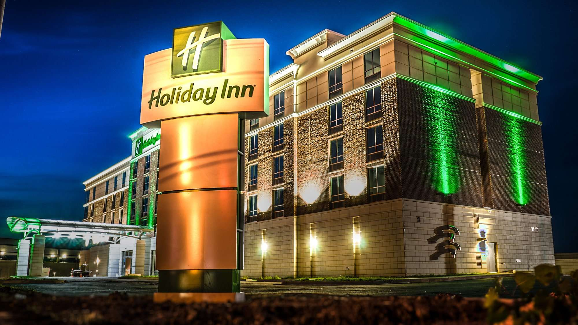 June 2, 2017 - Holiday Inn under construction, downtown, Paducah, KY/photonews247.com