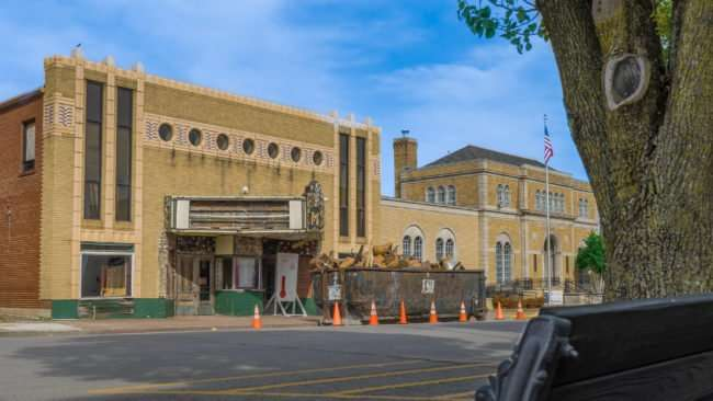 04.02.2017 - Massac Theatre Metropolis, IL renovations/photonews247.com