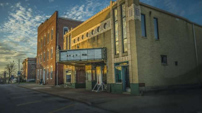 Feb 27, 2017 - Massac Theatre fund raiser for renovations, Metropolis, IL/photonews247.com