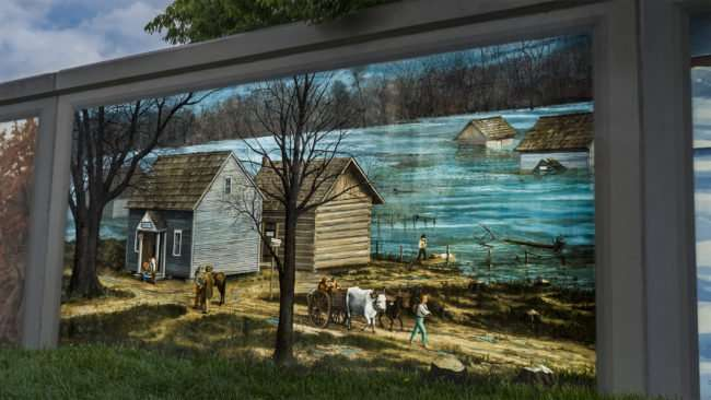 April 29, 2017 - Mural Paducah Floodwall Ohio River flooding taking houses down river/photonews247.com