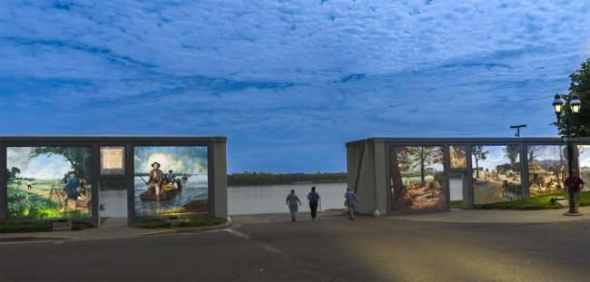 April 14, 2017 - Paducah Floodwall Mural at dusk night time/photonews247.com