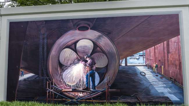 April 3, 2017 - Paducah Floodwall Mural man working on ship propeller/photonews247.com