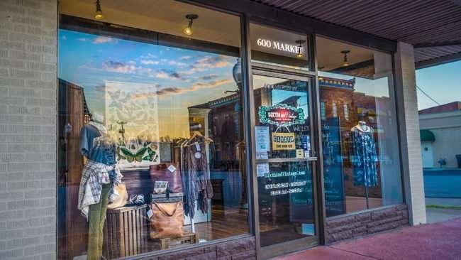 Feb 27, 2017 - Sixth and Vintage womens boutique, 600 Market Street, Metropolis, IL/photonews247.com