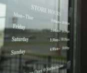 03.09.2018 - Starbucks Hours on door at the Hinkleville and Sanders Blvd in Paducah, KY/photonews247.com