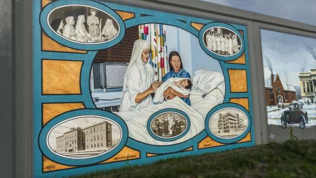 Mar 25, 2017 - Floodwall mural of Paducah Hospital painting/photonews247.com