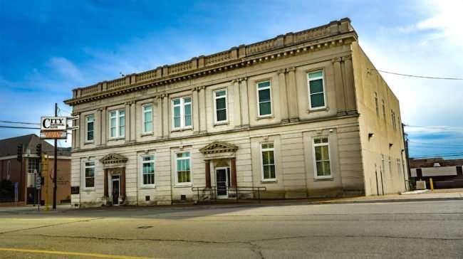 04.02.2017 - City National Bank, 423 Ferry St, Metropolis, IL 62960/photonews247.com