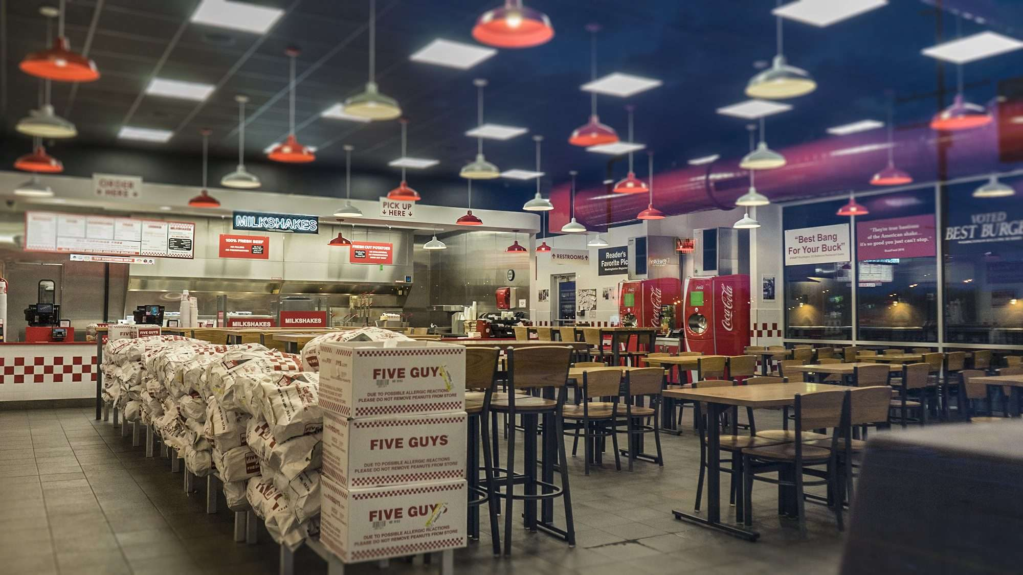 03.11.2018 - Five Guys Paducah a view of inside dining area from front door/photonews247.com