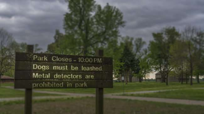 April 26, 2017 - Fort Massac State Park closes 10pm, dogs must be leashed, metal detectors prohibited/photonews247.com