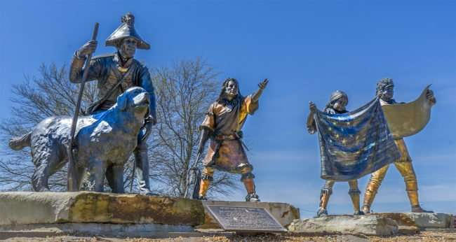 April 8, 2017 - Statues of Lewis & Clark with Native guides at National Quilt Museum, Paducah, KY/photonews247.com