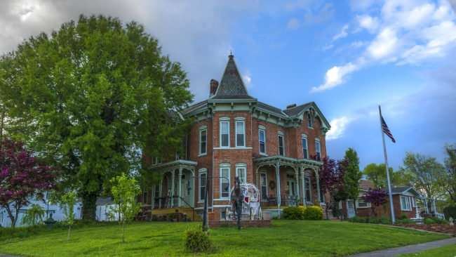 April 18, 2017 - Summers Riverview Mansion bed and breakfast in Metropolis, a few minutes from Paducah, KY/photonewws247.com