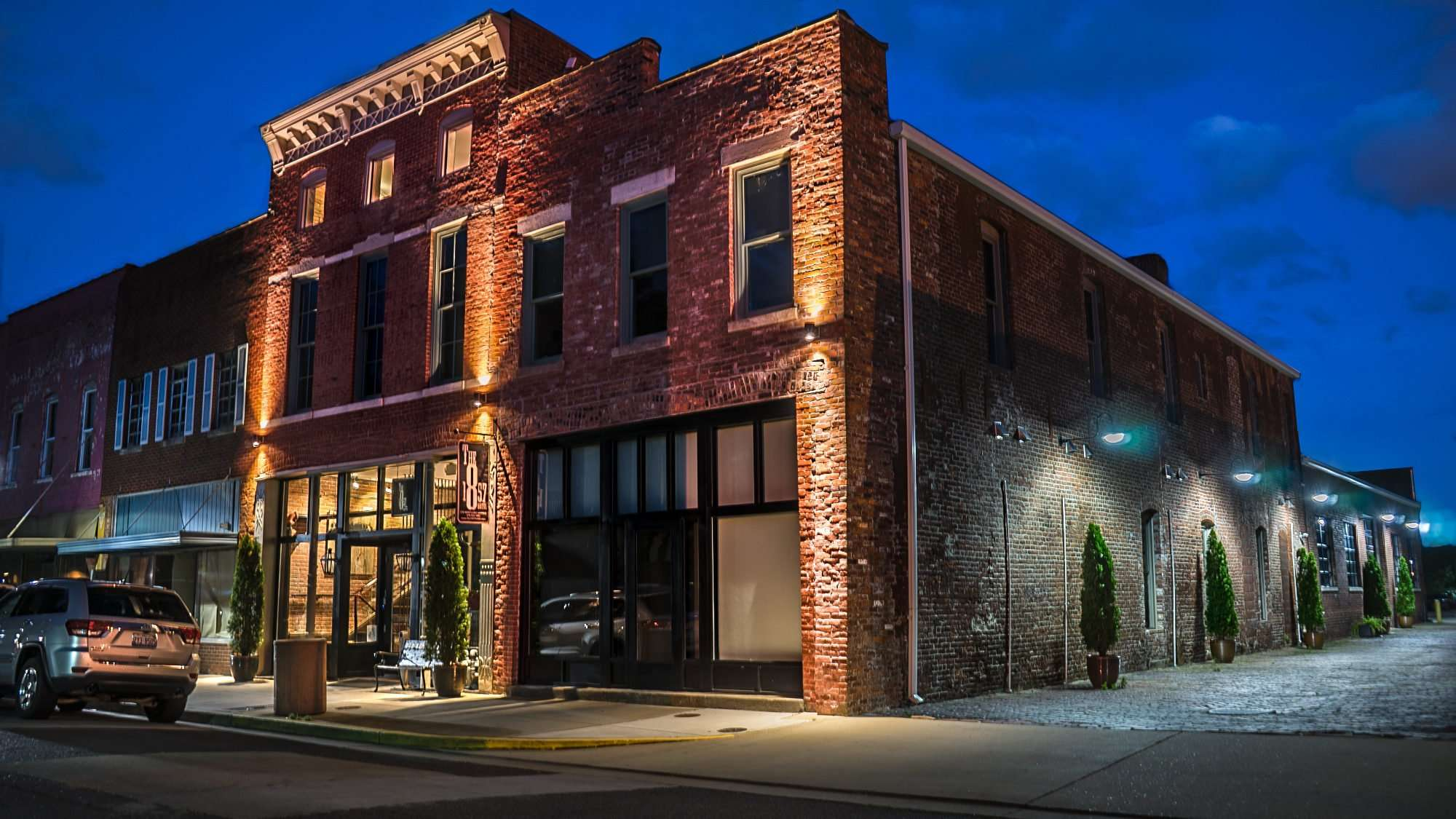 May 21, 2017 - 1857 Hotel is a Boutique hotel in historic downtown Paducah KY/photonews247.com