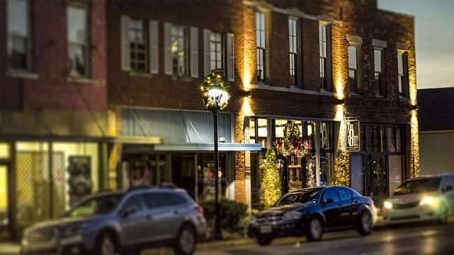 Dec 7, 2017 - Christmas lights on The 1857 Hotel 210 Kentucky Ave Paducah KY/photonews247.com