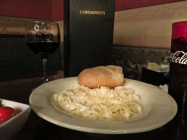 Jan 20, 2018 - Fettuccine at Cordavinos with bread/photonews247.com
