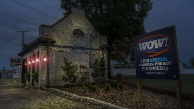 May 11, 2017 - Frenchtown Station WOW financed by Paducah Bank lights on/photonews247.com