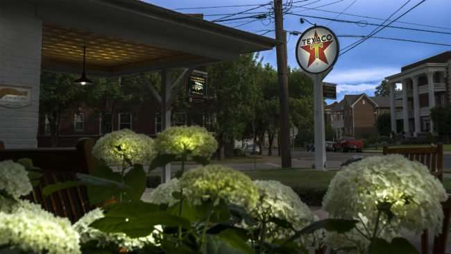 June 1, 2017 - Flowers at Texaco Station Information Center, Historic Downtown Paducah, KY/photonews247.com