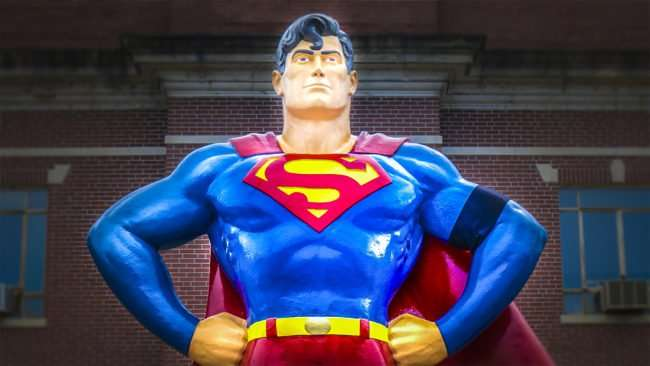 June 16, 2017 - Giant Superman Statue starts wears black armband on last day of Superman Celebration June 11, 2017 as tribute to Adam West who who passed away June 9, 2017 at aged 88. Adam West played Bruce Wayne & Batman in 60s Batman Tv Series /photonews247.com