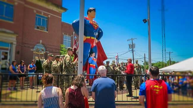 June 9, 2017 - Mayor Bill McDaniels swearing in Paducah's933 Forward Surgical Team being deployedto Afghanistan as Honorary Citizens of Metropolis followed by a heartfelt prayer during the Superman Celebration 2017/photonews247.com