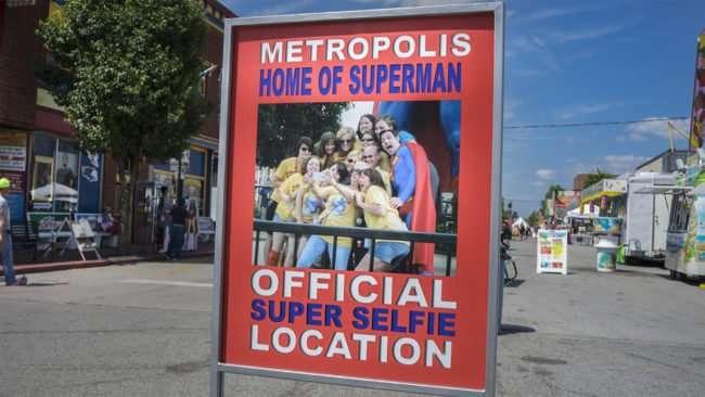 June 12, 2017 - Official Super Selfie Location on Market Street, Metropolis, IL/photonews247.com