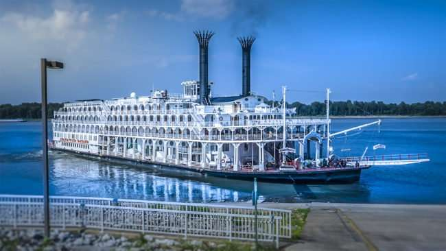 July 21, 2017 - American Queen cruise ship leaving Port of Paducah on Ohio River/photonews247.com