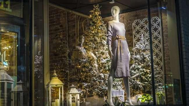 Nov, 8, 2017 - Christmas decor at McClaran Manner Womens Boutique Market House Square, Paducah, KY/photonews247.com