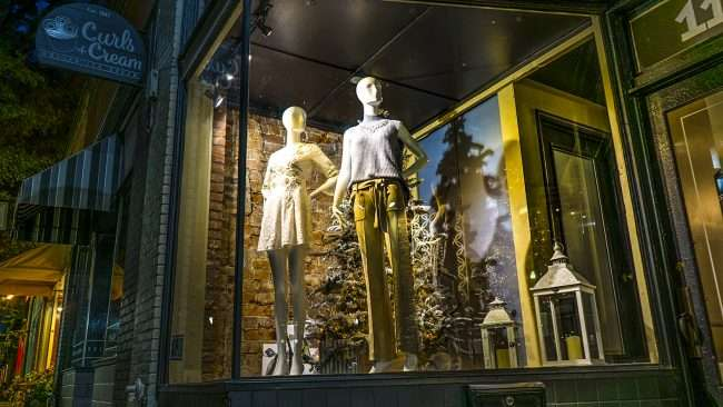 Nov 8, 2017 - McClaran Manner Womens Boutique displays cloths in window in Market House Square, Paducah, KY/photonews247.com