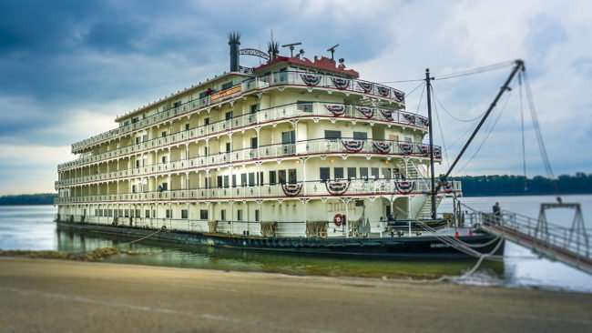 July 25, 2017 - Queen of the Mississippi docked on Ohio River on Broadway St, Downtown Paducah, KY/photonews247.com