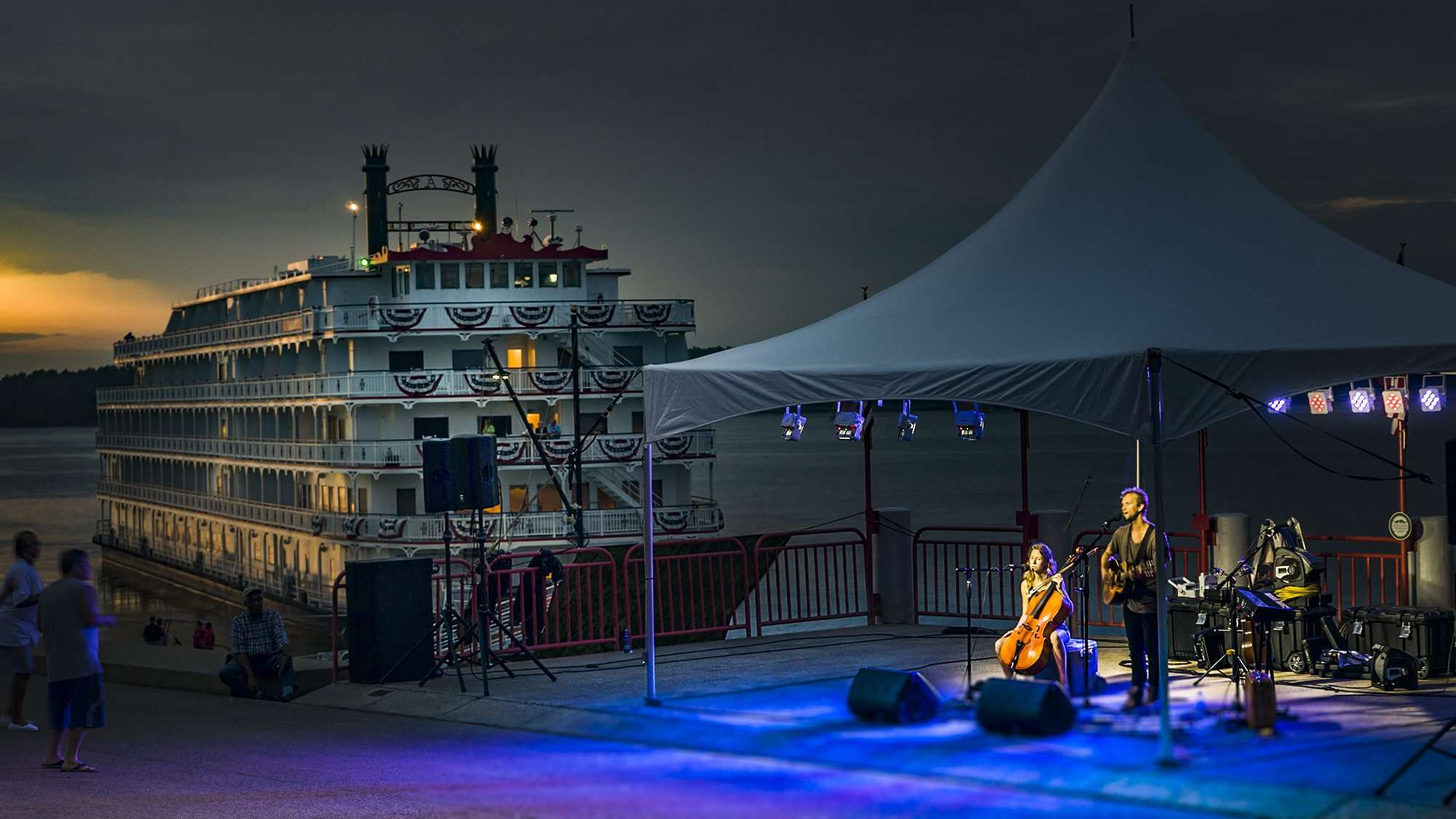 July 27, 2017 - River Concert with Andrew Ripp with America cruise boat in background docked at Port of Paducah, KY/photonews247.com