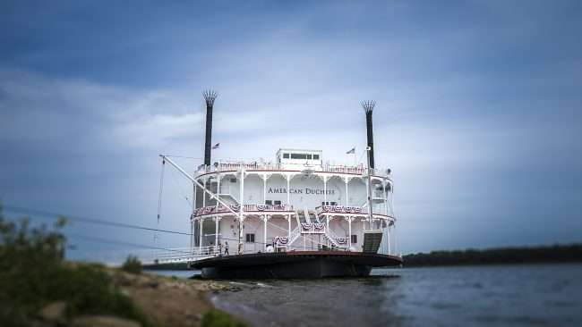 Aug 25, 2017 - American Duchess riverboat docked on Ohio River at the riverfront in Downtown Paducah, KY/photonews247.com