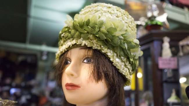 Aug 3, 2017 - Antique Galleria -1920's style womens hat, Paducah, KY/photonews247.com