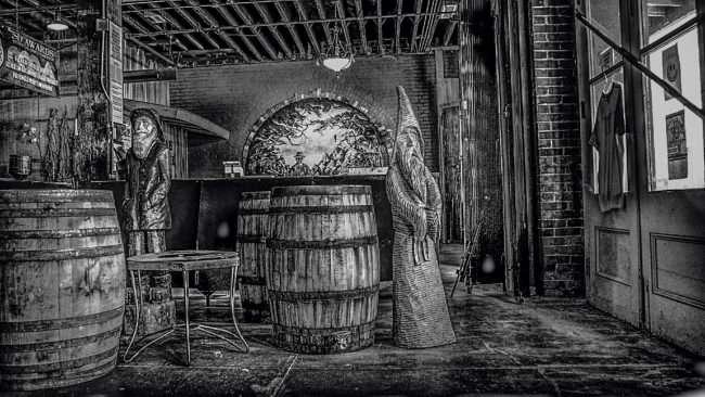Aug 3, 2017 - Moonshine Distillery atPaducah Distilled Spirits, Paducah, KY/photonews247.com