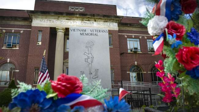 Aug 13, 2017 - Veterans Memorial at Massac County Courthouse on Market Street in Superman Square, Metropolis, IL/photonews247.com